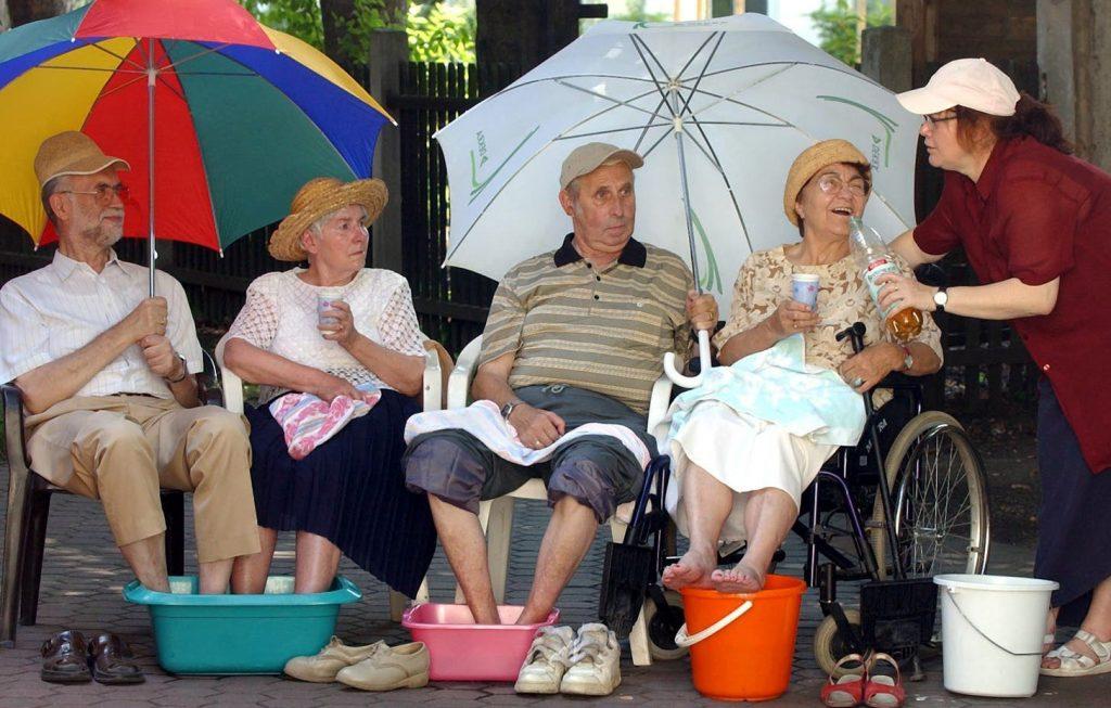 Zdravlje starijih osoba tokom letnjih vrućina - mere predostrožnosti